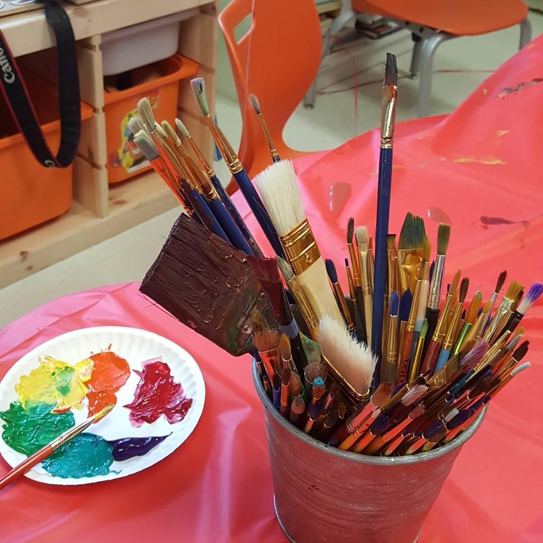 paintbrush bucket